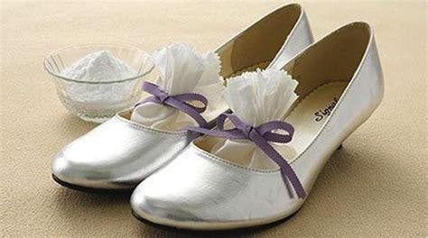 enlever odeur canapé cuir enlever odeur chaussure en cuir
