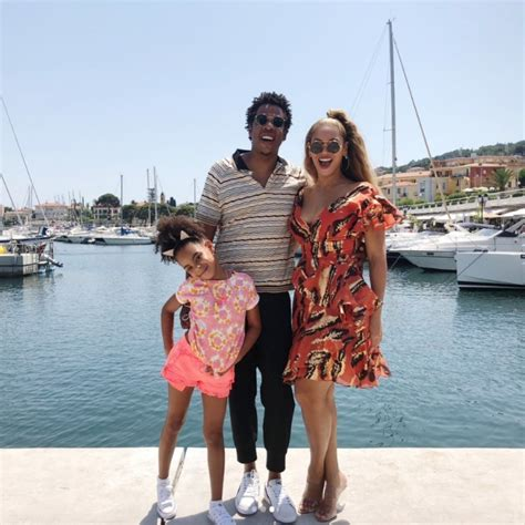 celebrity on vacation video summer 2018 celebrity travel photos from the stars epic