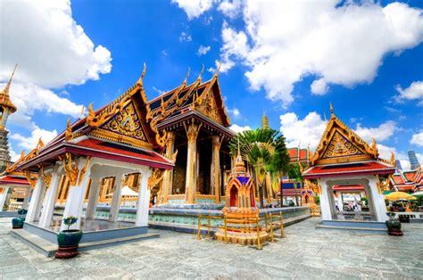 il palazzo reale  bangkok  il suggestivo buddha
