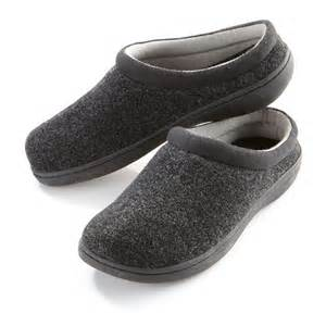 tempurpedic house shoes men s tempur pedic tempur cloud slippers at brookstone buy now