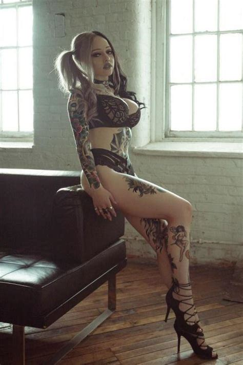 tattooed bimbo sambalina roselli xxx photo