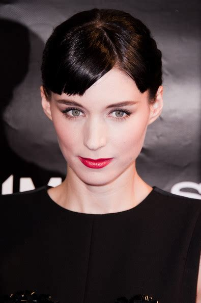rooney mara short hair rooney mara wears her hair in a ponytail at the paris