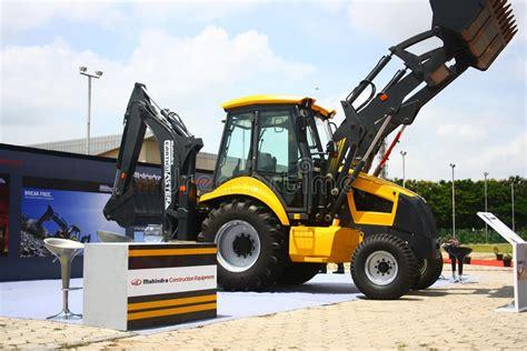 mahindra jcb photo backhoe loader from mahindra construction equipments