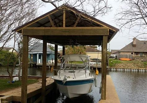 hurricane boats lifts boat house boatlift builder waterside bulkhead services