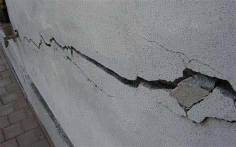 crepe muri interni crepe nei muri e cedimenti terreno