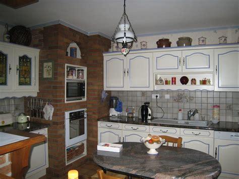 repeindre des 駘駑ents de cuisine peinture pour meuble de cuisine en chene survl com