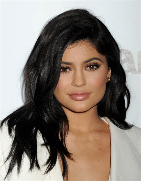 biography of kylie jenner what is kylie jenner s net worth details on the reality