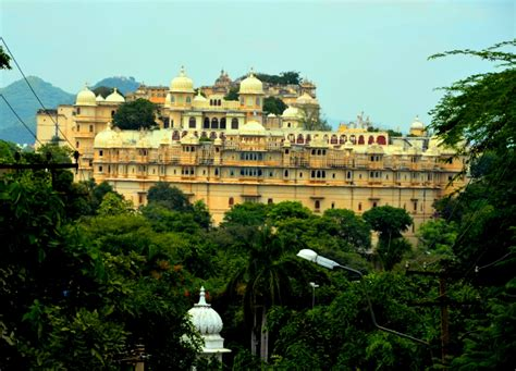 Hotel Eagle Eye Udaipur India Asia ropeway in udaipur photo essay of udaipur from top