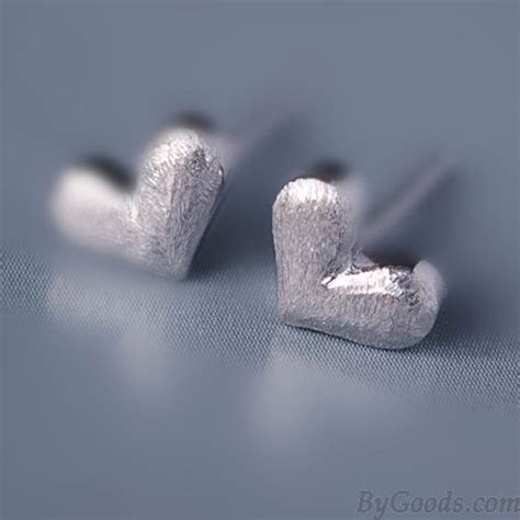 lovely anti allergy studs silver earring fashion