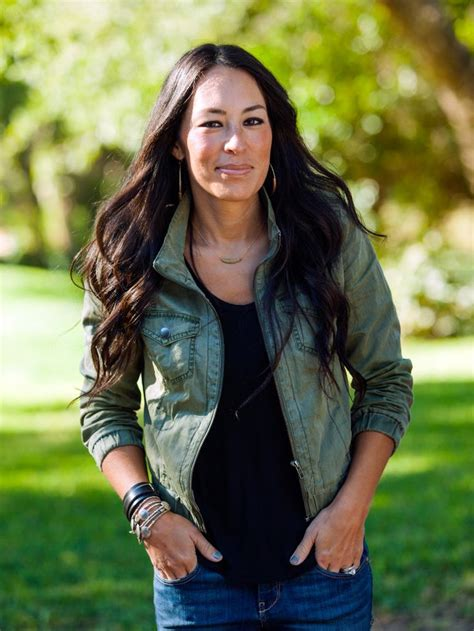 fixer upper s joanna gaines net worth career and salary also 1000 ideas about chip gaines bio on pinterest chip