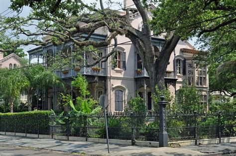 New Orleans Gardens by New Orleans Garden District Architecture