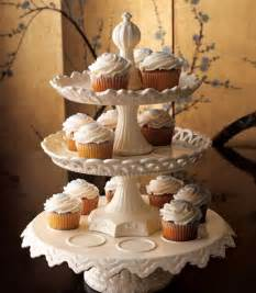 Ioffer want ad horchow set of 3 stackable cupcake stands