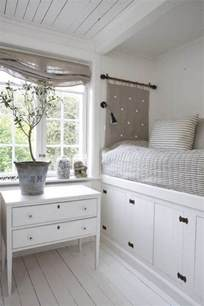Small Bedroom Storage Ideas by White Storage For Small Bedrooms Photos 12 Small Room