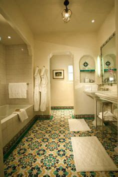 bathtub spanish 1000 ideas about spanish bathroom on pinterest