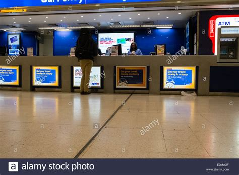 bureau de change heathrow terminal 1 photos terminal 1 images alamy