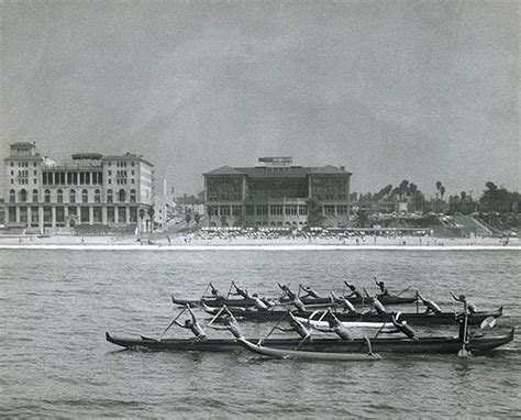 canoes waikiki outrigger canoes waikiki love hawaii pinterest