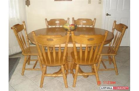 7 traditional solid oak dining room or kitchen table