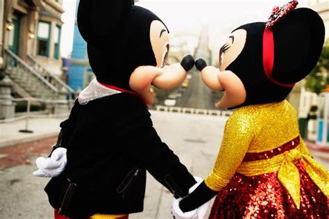 Eskimo Mickey Mouse mickey and minnie eskimo disney dreaming