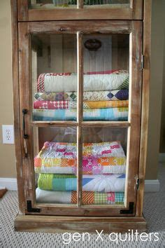 quilt pattern storage ideas 1000 images about repurposing old quilts on pinterest