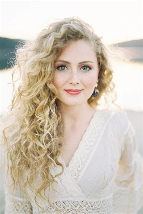 southern hairstyles for women the best haircuts for curly haired beauties southern living