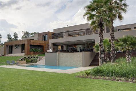 stunning ashoo home designer contemporary amazing house sedibe in bryanston johannesburg by nico van der meulen