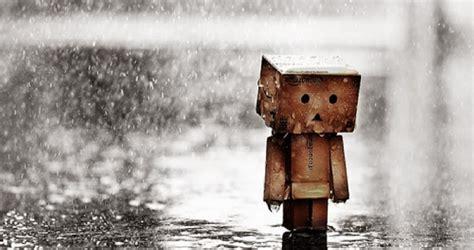 gambar foto boneka danbo sedih patah hati sad love