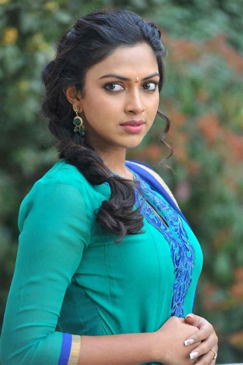 hindi film actress name photo amala paul anakha neelathamara in green dress south indian