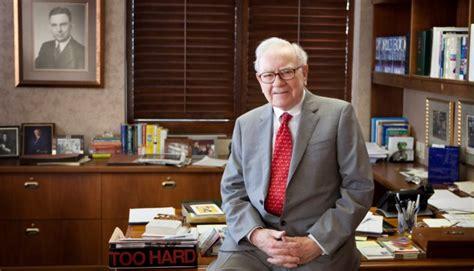 Warren Buffett The Office by How Warren Buffett Made It In His Own Words Gillian