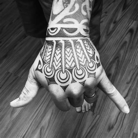 polynesian hand tattoo designs hawaiian design on