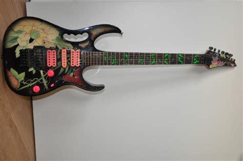 jem flower pattern elektrisch solid body gitaar ibanez jem 77 flower pattern