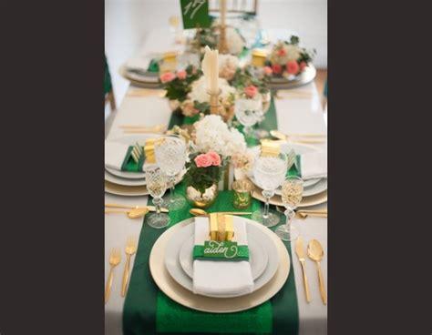 theme mariage vert emeraude  dore decoration de mariage
