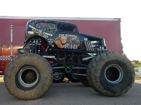 videos of monster trucks my favotite monster trucks mark traffic