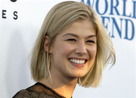 bob haircuts rosamund pike 319 best images about rosemund pike on pinterest
