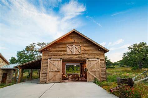 houses that look like barns beautiful houses that look like barns to be amazed by