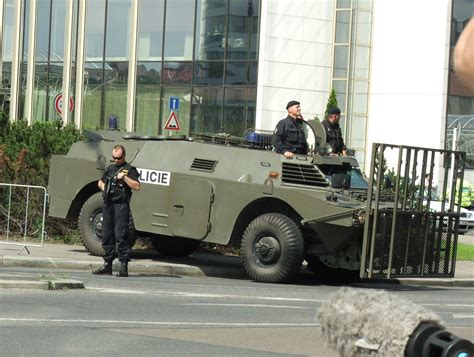 police armored vehicles german police now wearing chainmail ign boards