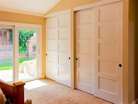 Sliding Wood Closet Doors Lowes John Robinson House Sliding Closet Doors At Lowes