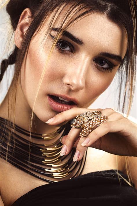 beautiful fashion woman  creative