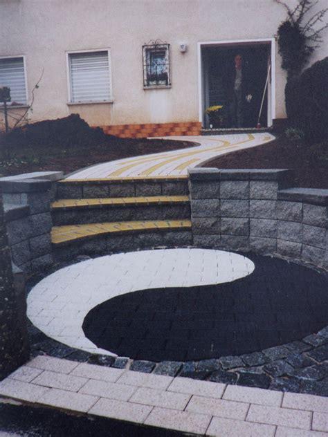 ying yang terrasse pflaster design kunst aus stein
