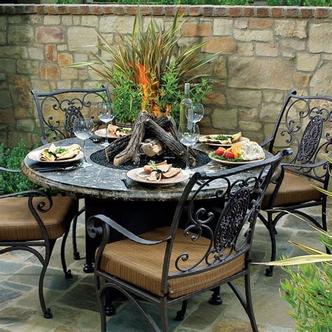 Patio With Fire Pit Is A Nice Place To Spend Your Time Patio Firepit Table