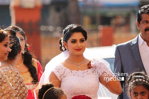 Wedding Photo Stills by Sruthi Lakshmi Wedding Stills Photos Reception