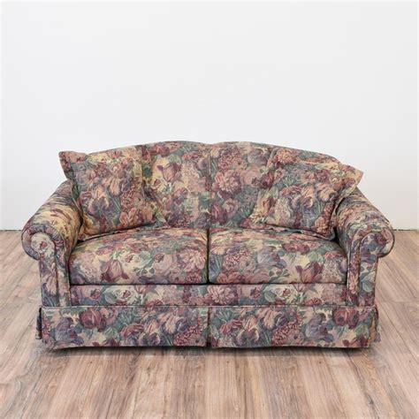 floral print sofa and loveseat 1000 images about sofas on low back