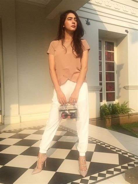 Model Rambut Nabila Syakieb by Pesona Nabila Syakieb Dalam Balutan Berbagai Busana