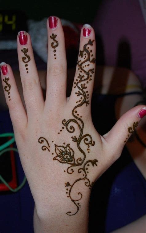 henna tattoo op hand 100 small tattoos for and 2018