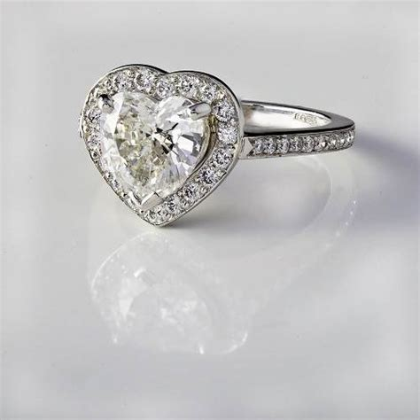 pre owned engagement rings uk
