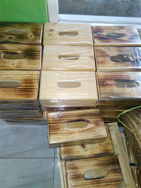 aplikasi kayu jati pada furniture rumah d sign kotak tisu tempat tisu berbahan kayu pinus model klasik