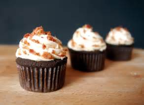 maple frosting chocolate bacon cupcakes with maple frosting keeprecipes