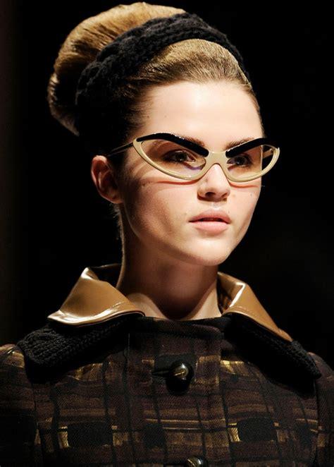 model kacamata