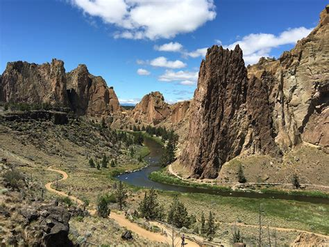 visitors guide to smith rock state park oregon outdoor