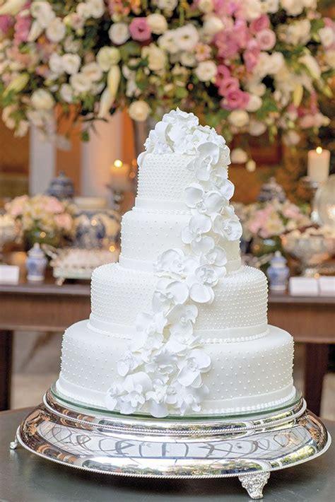 como decorar um bolo de casamento 25 melhores ideias sobre bolo fake casamento no pinterest