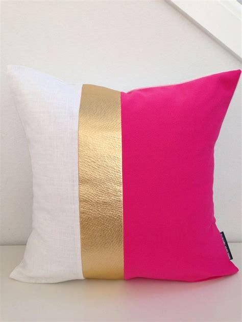 pink bedroom cushions best 25 pink gold bedroom ideas on pinterest chic
